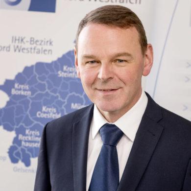 """Essen mit Vortrag: """"Starkes Westfalen und wirtschaftspolitische Herausforderungen"""" mit Dr. Fritz Jaeckel, Hauptgeschäftsführer der IHK Nord Westfalen"""